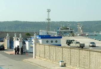 Снимка: ВИС и СИК превзели зоната около Морска гара, алармира съветник
