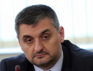 Членът на ИК н БСП Кирил Добрев е запорирал сметките