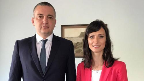 Варна става дигитален иновационен хъб, съобщи кметът Иван Портних. Градът
