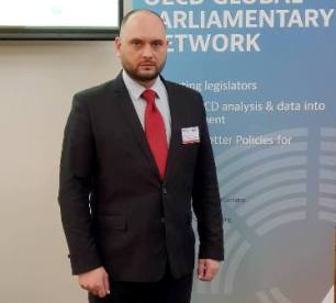 Народният представител от ГЕРБ Павел Христов представя България на конференция