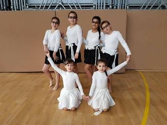"""12 състезатели от школата по модерен балет """"Тиерра"""" в Девня"""