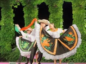 Снимка: Над 400 участници се включват в Международния фолклорен фестивал във Варна