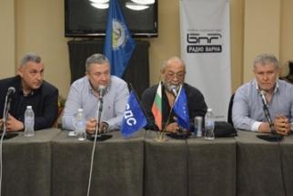 Снимка: Кандидатите за лидери на СДС представиха концепциите си във Варна