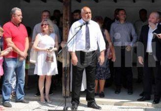 Премиерът Бойко Борисов присъства на официалното откриване на ремонтираните 30
